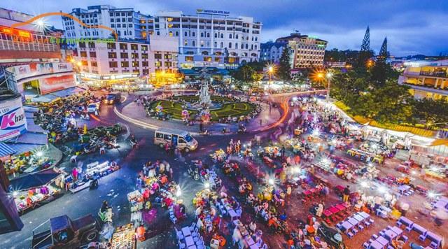 dalat night market opening times
